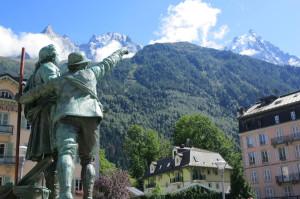 statue of de Saussure in Chamonix