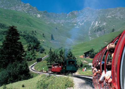 Brienzer-Rothorn-steam-train