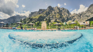 Copyright - http://www.myswitzerland.com/en-us/largest-thermal-baths-and-wellness-resort-leukerbad.html